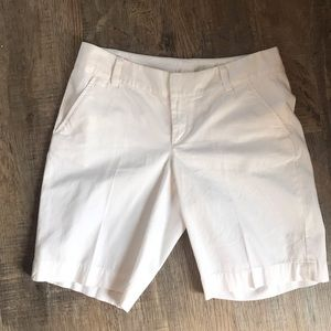 Lilly Pulitzer Chipper Short White Size 8